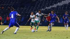 Indosport - Moncer bersama Persebaya, Ricky Kambuaya menembus timnas Indonesia dan berhasil mencetak gol saat menghadapi Taiwan di playoff Kualifikasi Piala Asia 2023.