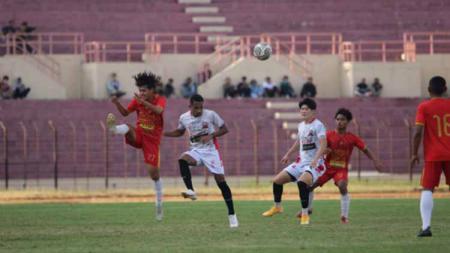 Madura united kalahkan persiba bantul pada laga uji coba jelang seri dua Liga 1 di Stadion Sultan Agung Bantul Senin (11/10/21). - INDOSPORT
