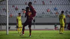 Indosport - Laga Liga 2 antara Sriwijaya FC vs Semen Padang.