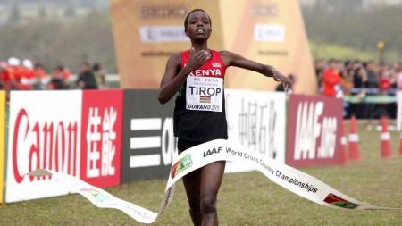 Atlet lari asal Kenya, Agnes Jebet Tirop, ditemukan tewas di kediamannya, di mana wanita berusia 25 tahun itu diduga dibunuh oleh suaminya sendiri. - INDOSPORT
