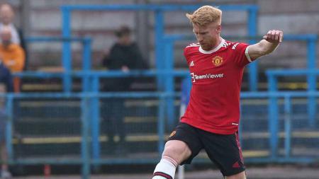 Paul McShane, pemain yang baru saja kembali ke Manchester United. - INDOSPORT