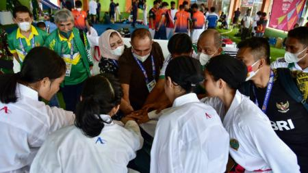 Ketua Umum KONI Sumut, John Ismadi Lubis, menyampaikan permohonan maaf atas pencapaian kontingen Sumut di PON XX/2021 Papua yang gagal finis 10 besar. - INDOSPORT