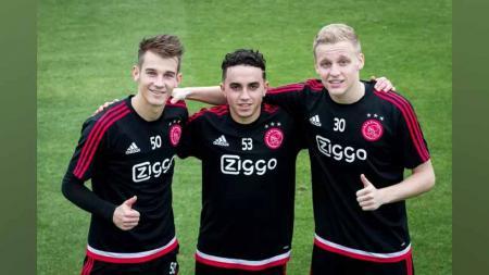 Vaclav Cerny, Abdelhak Nouri, dan Donny van de Beek saat masih bersama di Ajax Amsterdam. - INDOSPORT
