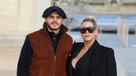 Pemain Paris Saint-Germain, Mauro Icardi, kini sedang berusaha mempertahankan rumah tangganya dengan Wanda Nara dengan mengaku tak mau pisah dari istrinya itu. - INDOSPORT