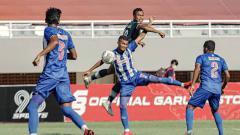 Indosport - Pertandingan antara PSPS Riau vs PSMS Medan di Liga 2.