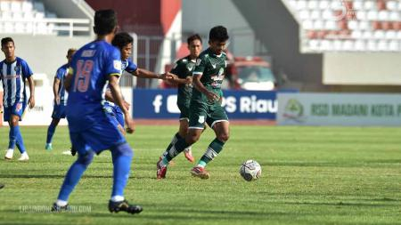 PSPS Riau sukses kalahkan PSMS Medan di laga keempat Grup A Liga 2 2021, Rabu (20/10/21) di Stadion Gelora Sriwijaya, Palembang. - INDOSPORT