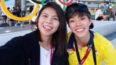 Indosport - Bikin vlog seru bareng Greysia Polii, pebulutangkis ganda putri Thailand, Sapsiree Taerattanachai, dapat kejutan dari Chou Tien Chen.