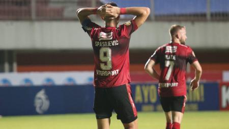 Bali United takluk dari Bhayangkara pada pekan kedelapan Liga 1 2021-2022, Sabtu (23/10/21). - INDOSPORT