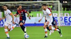 Indosport - Aksi Lorenzo Pellegrini di laga Cagliari vs AS Roma (28/10/21).