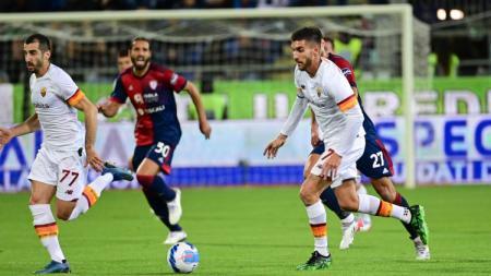 Aksi Lorenzo Pellegrini di laga Cagliari vs AS Roma (28/10/21). - INDOSPORT