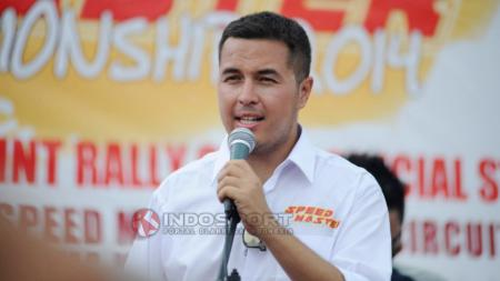 Mantan pembalap Indonesia, Rifat Sungkar. - INDOSPORT