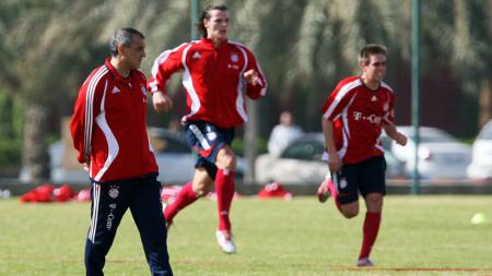 Pelatih yang cocok gantikan Robert Rene Alberts di PSM Makassar. - INDOSPORT