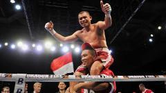 Indosport - Di tengah kembalinya Mike Tyson ke ring tinju dalam waktu dekat, kini Chris John telah  latihan. Apakah legenda tinju Indonesia itu ingin ikuti Si Leher Beton?