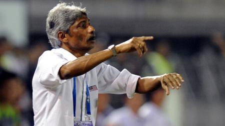 Mantan pelatih kepala Timnas Malaysia, Rajagopal Krishnasamy memberikan jurus jitu kepada pelatih Timnas Indonesia, Shin Tae-yong. - INDOSPORT