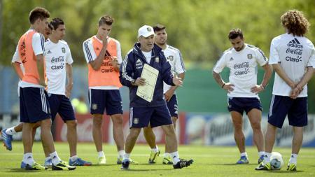 Alejandro Sabella mengumumkan 23 pemain Argentina untuk Piala Dunia 2014. - INDOSPORT