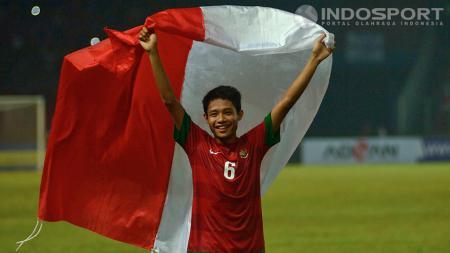 Evan Dimas dan kawan-kawan akan hadapi tim Harimau B Malaysia dalam laga perdana Hassanal Bokiah Trophy di Bandar Seri Begawan, Brunei Darussalam, Jumat (08/08/14). - INDOSPORT