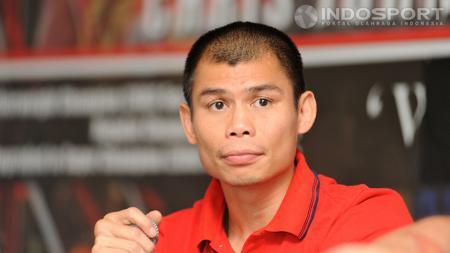 Chris John pada saat pengumuman pengunduran dirinya di salah satu stasiun televisi swasta di daerah Kebon Jeruk, Jakarta (19/12/2013). - INDOSPORT