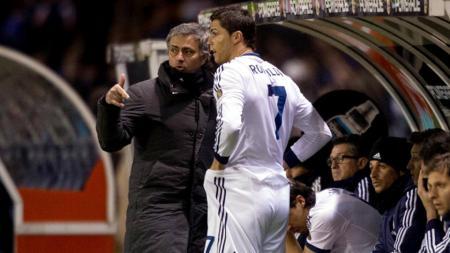 Gara-gara Jose Mourinho, Cristiano Ronaldo bakal gabung AS Roma usai merana di Juventus. - INDOSPORT