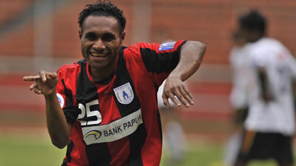 Pemain Persipura, Titus Bonai. Foto: Tribunnews Copyright: Tribunnews