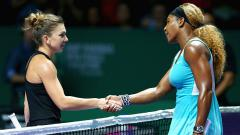 Indosport - Serena Williams (Kanan) dan Simona Halep