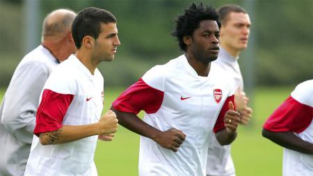Alex Song saat masih memperkuat Arsenal. - INDOSPORT