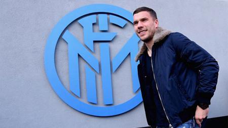 Mantan bintang Inter Milan, Lukas Podolski, kembali ke Jerman untuk mengurus kedai es krim miliknya. - INDOSPORT
