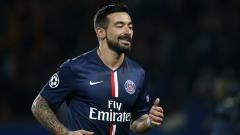 Indosport - Mantan bintang Paris Saint-Germain, Ezequiel Lavezzi, mengundang pengacaranya terkait kasus pemerasan yang diterimanya terkait video seksnya dengan sang kekasih
