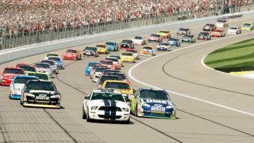 Ilustrasi pertandingan balap NASCAR.