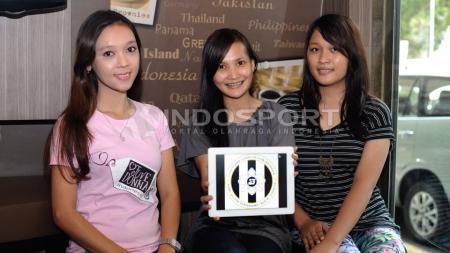 Ketua Umum Juvedonna, Angela Sancay (tengah) bersama Adhini (kiri) dan Maria (kanan). - INDOSPORT