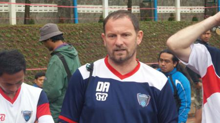 Pelatih Pelita Bandung Raya, Dejan Antonic. - INDOSPORT