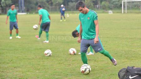 Gelandang enerjik, Paulo Sitanggang akhirnya resmi berlabuh ke klub promosi Liga 1 2020, Persik Kediri. - INDOSPORT