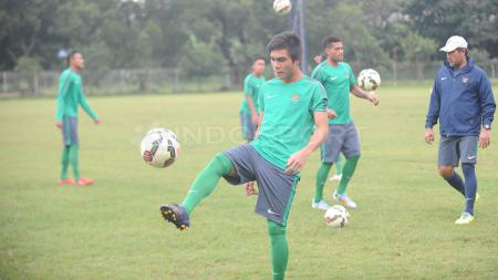 Gelandang enerjik Paulo Sitanggang resmi berlabuh ke Persik Kediri usai hengkang dari Barito Putera jelang bergulirnya Liga 1 2020. - INDOSPORT