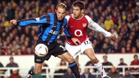 Cesc Fabregas ketika masih membela Arsenal. - INDOSPORT