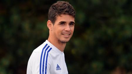 Oscar akan dijual Chelsea seharga 60 juta poundsterling ke Shanghai SIPG. - INDOSPORT