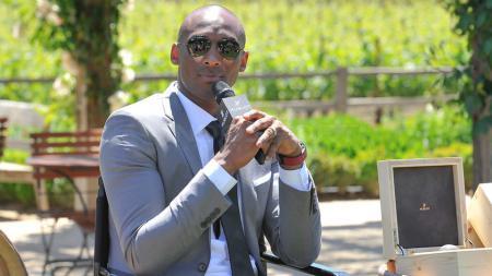 Meninggalnya legenda basket, Kobe Bryant, dalam kecelakaan helikopter membuat pemain sepak bola dunia ikut berduka cita. - INDOSPORT