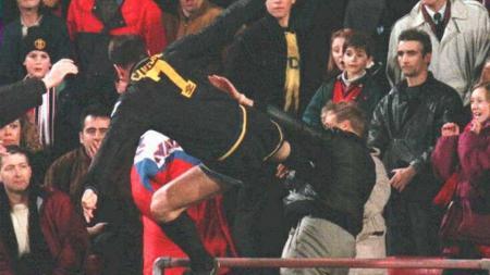 Eric Cantona, legenda Manchester United. - INDOSPORT