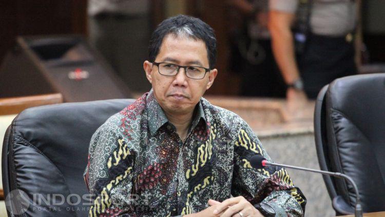 Tersangka perusak barang bukti Plt Ketum PSSI Joko Driyono. Copyright: © Herry Ibrahim/INDOSPORT