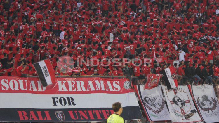 Panitia pelaksanana (panpel) pertandingan Liga 1 2019 antara PSIS Semarang menyiapkan kuota tiket kepada pendukung Bali United yang ingin nonton langsung. Copyright: © Ian Setiawan/INDOSPORT