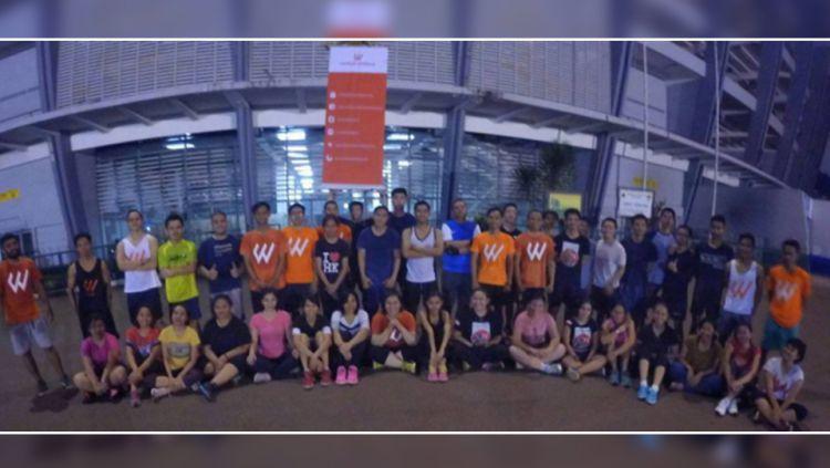 Foto bareng dengan peserta Workout Embassy. Copyright: © INTERNET
