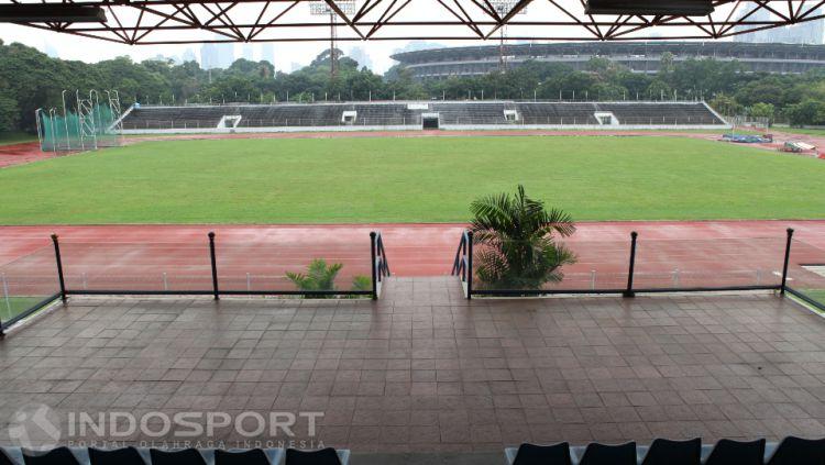Penampakan Stadion Madya dilihat dari Tribun VIP. Copyright: © Herry Ibrahim/INDOSPORT