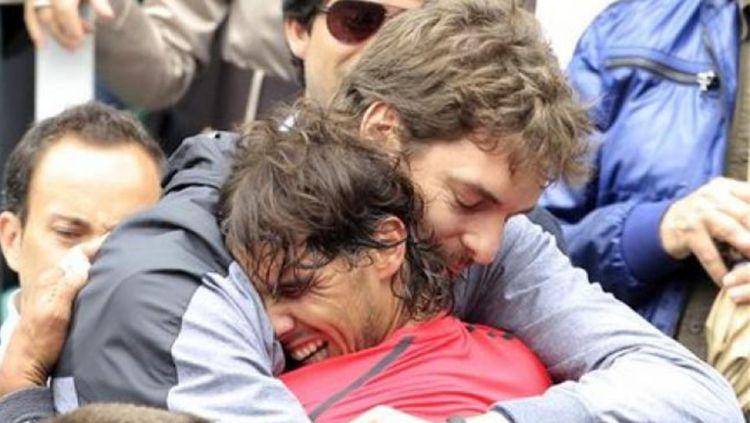 Rafael Nadal dan Pau Gasol bersahabat dekat. Copyright: ©