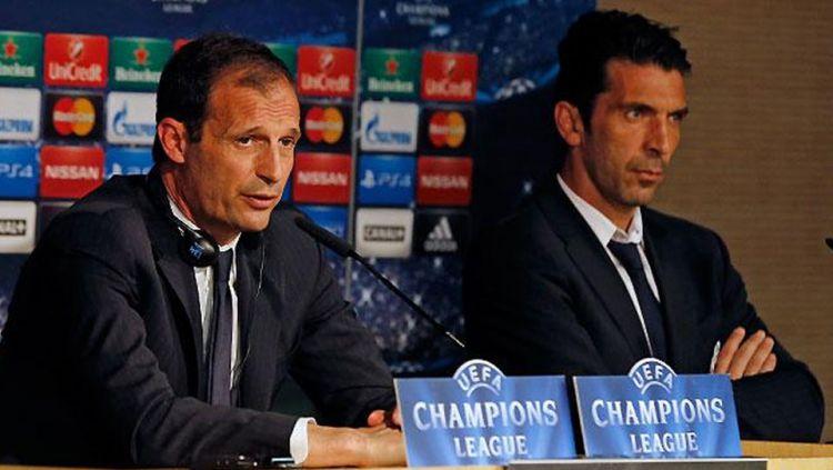 Gianluigi Buffon dan Massimiliano Allegri konferensi pers Liga Champions. Copyright: © INTERNET