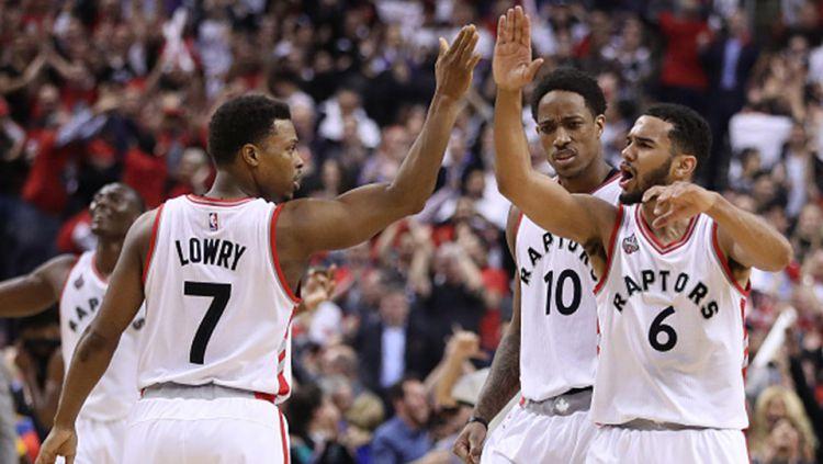 Selebrasi kemenangan tim Toronto Raptors. Copyright: © INTERNET