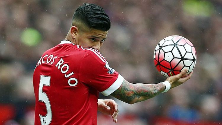 Image result for marcos rojo menangis