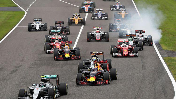 Para pembalap Formula 1 saat beradu di GP Jepang. Copyright: © INTERNET