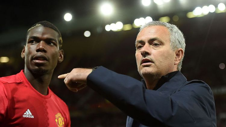 Paul Pogba dan Jose Mourinho Copyright: © INTERNET