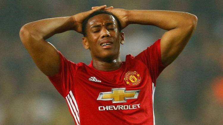 Ekspresi kekecewaan Anthony Martial, penyerang Man United Copyright: © Internet