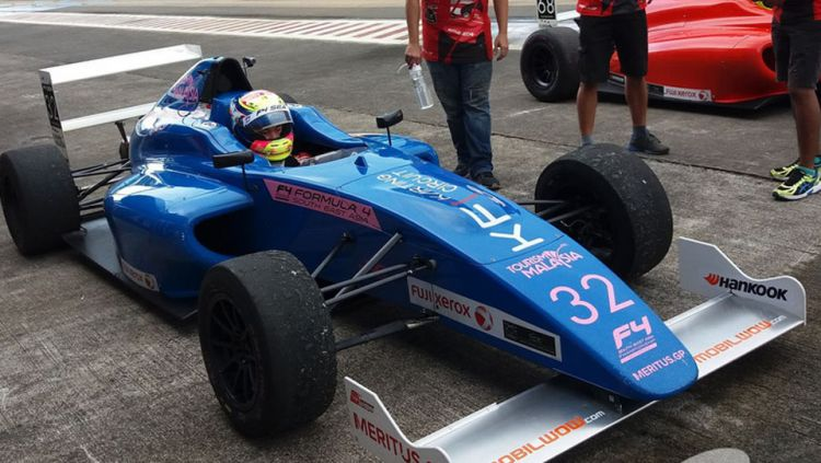 Pembalap Formula 4 South East Asia (F4 SEA) asal Indonesia, Presley Martono. Copyright: © INTERNET