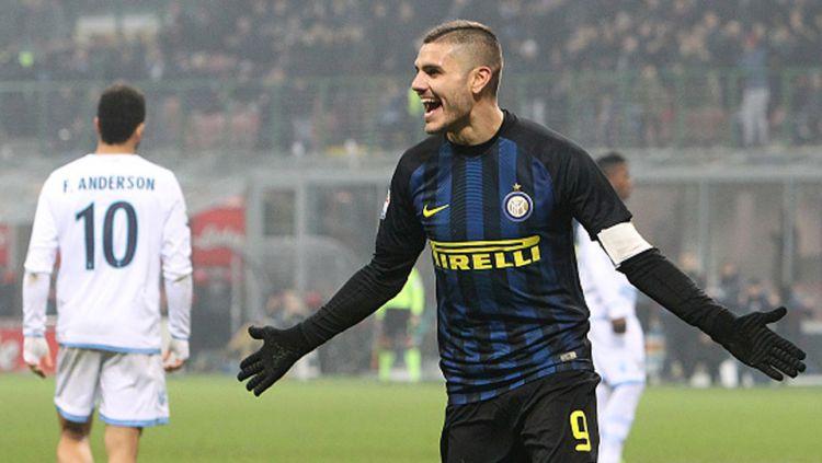 Striker Inter Milan, Mauro Icardi berselebrasi usai mencetak gol ke gawang Udinese. Copyright: © INDOSPORT