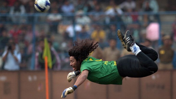 Kiper legendaris Kolombia, Rene Higuita. Copyright: © Getty Images
